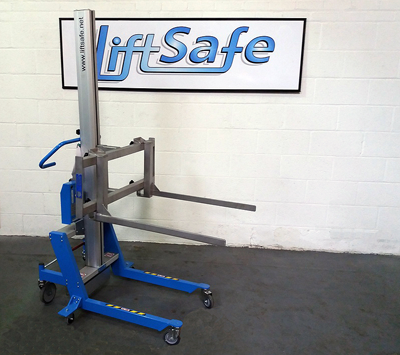 Lift Safe Supplies Rolls Royce Aero Engines With A Electric Lifter With A Custom Attachment